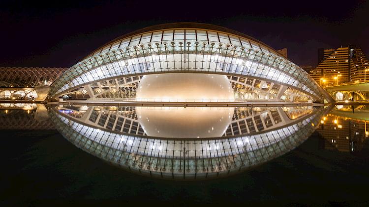 L' hemisfèric en CAC - la Ciudad de las Artes y de las Ciencias en Avenida de Francia